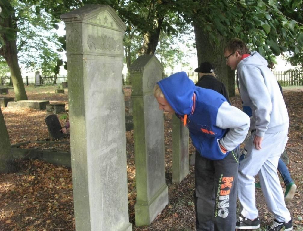 cmentarz-mennonicki-w-stogach-malborskich